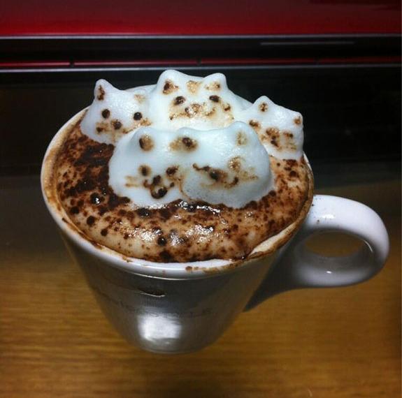 Свежеобжаренный кофе в нижнем torrefacto